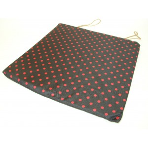 Sedák na židli motiv červený puntík